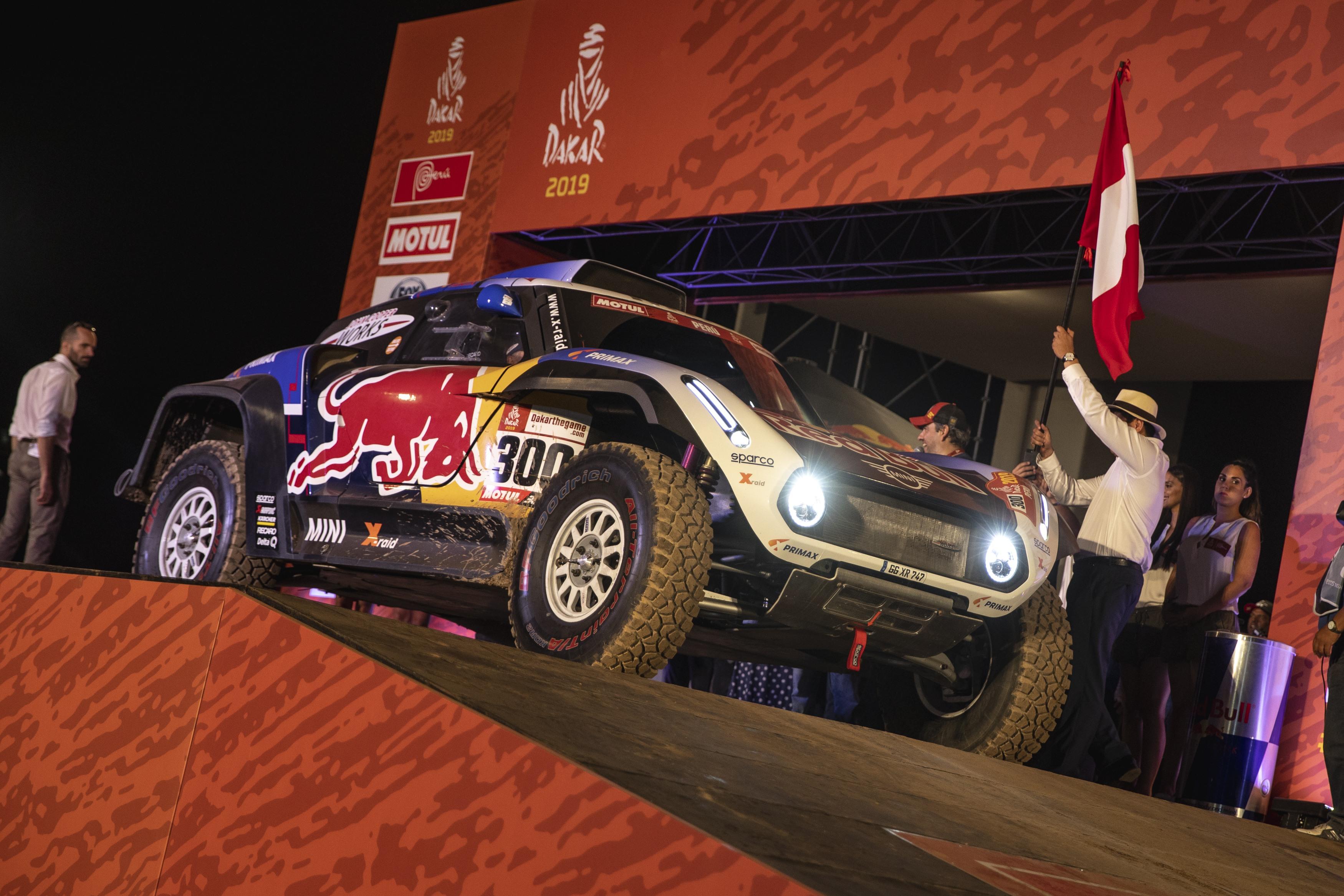 Carlos Sainz en la primera etapa del Rallye Dakar  Lima-Pisco