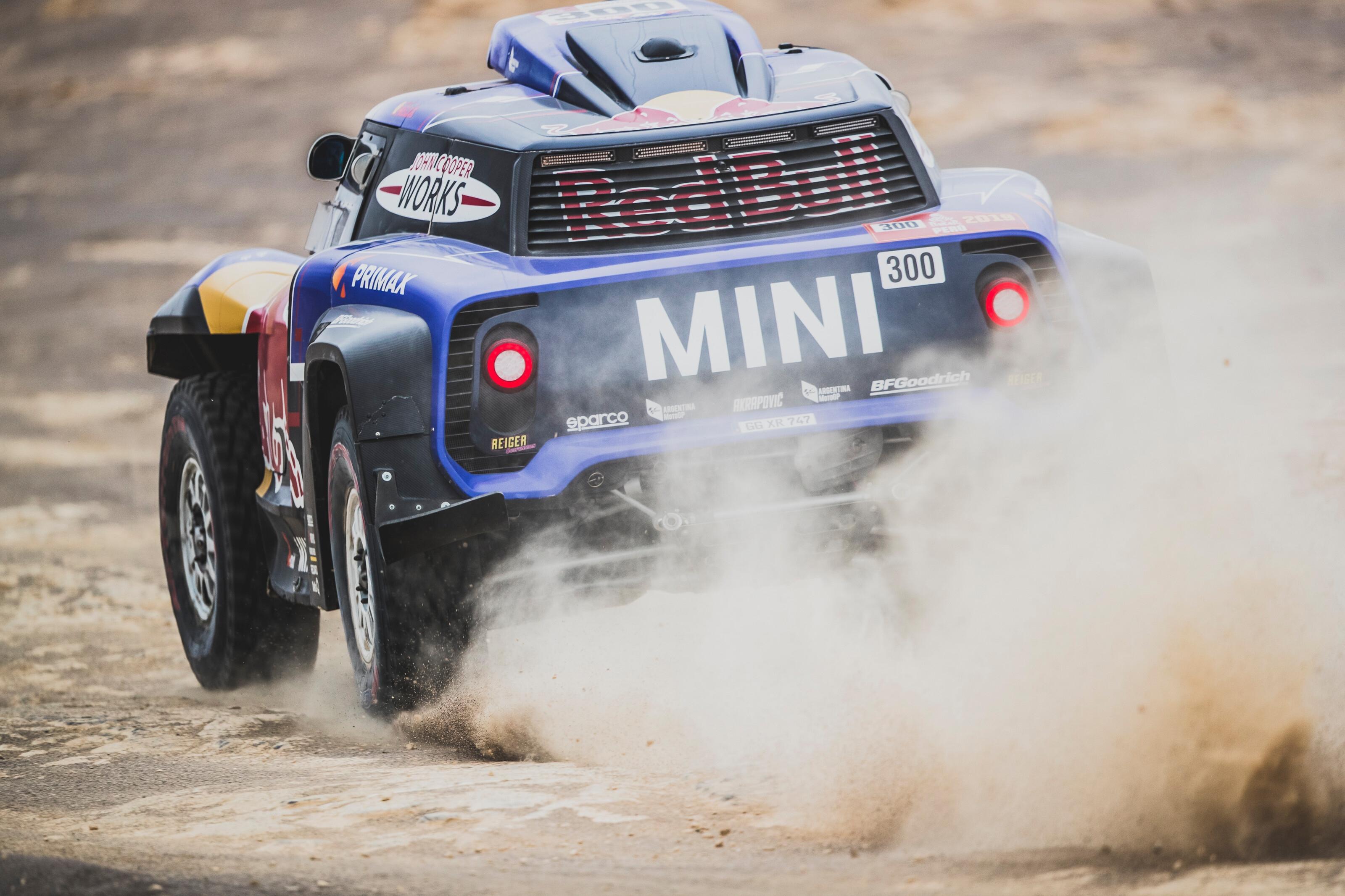 Carlos Sainz en la décima etapa del Dakar Pisco - Lima
