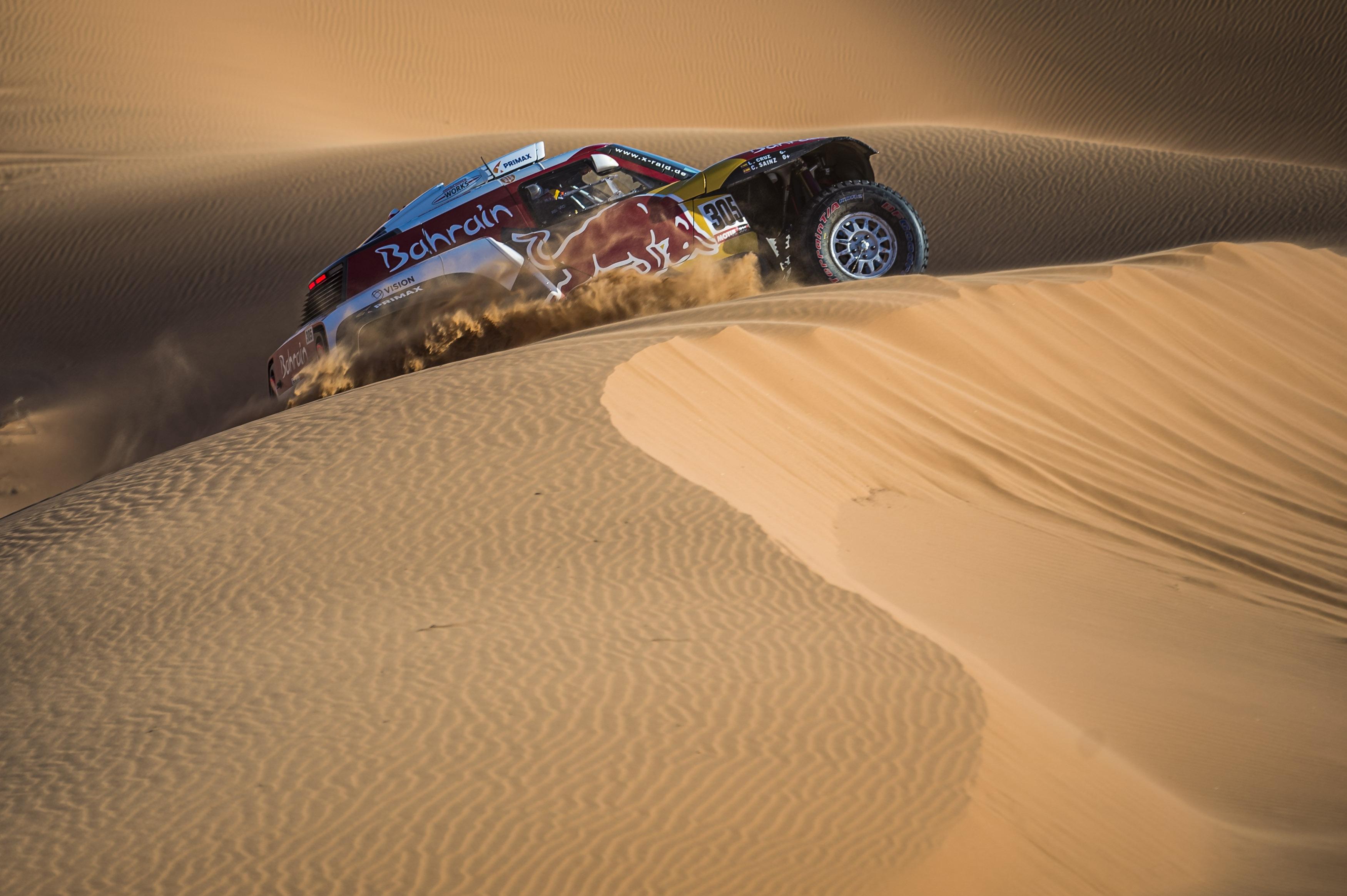 Tercera victoria de etapa para un Carlos Sainz más líder del Dakar