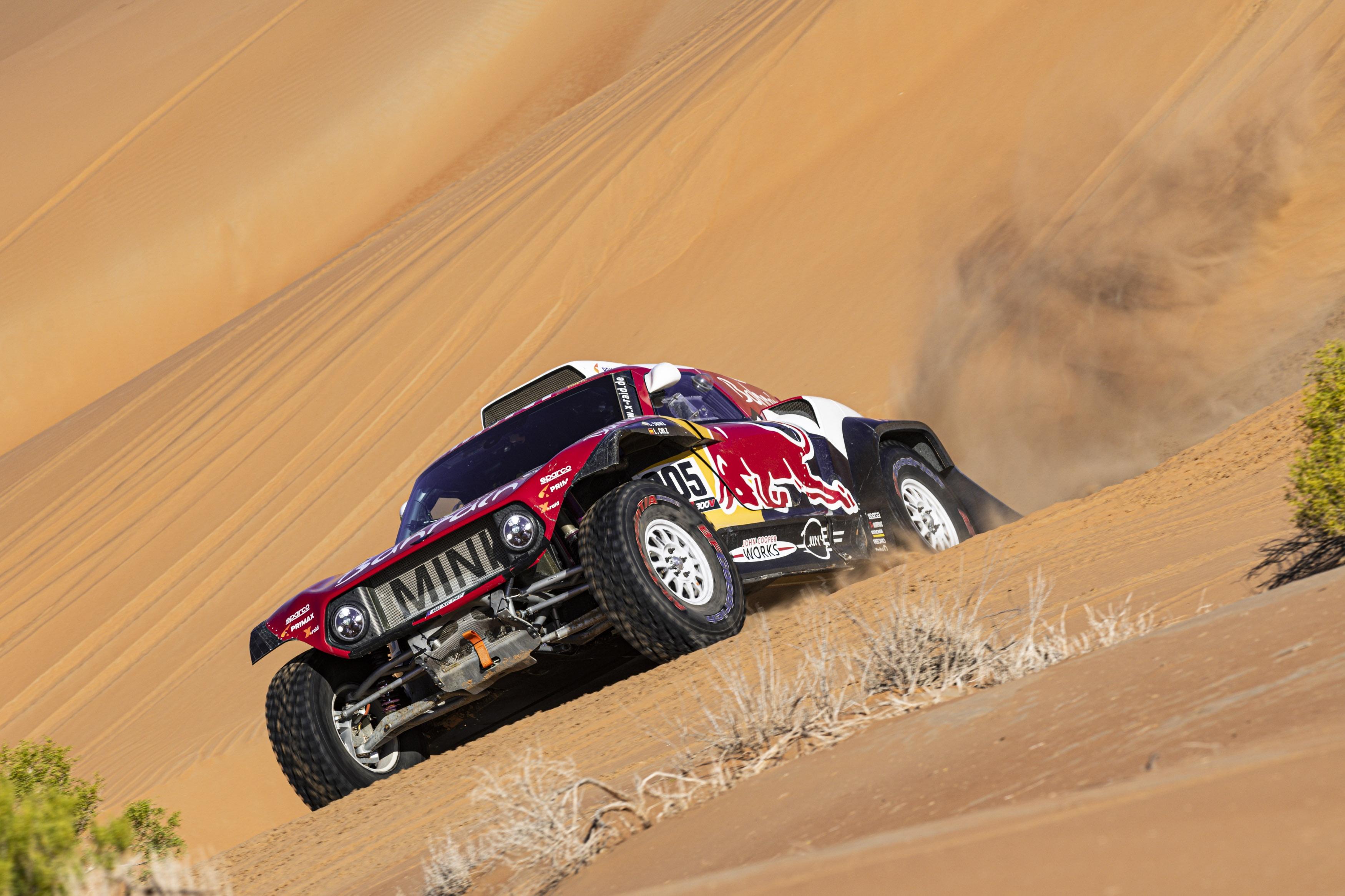 Carlos Sainz a una etapa de conseguir su tercer triunfo en el Rallye Dakar