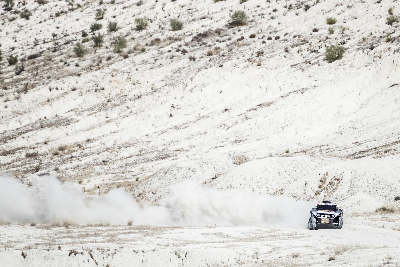 Carlos Sainz cuarto, sigue sumando kilómetros en Andalucía